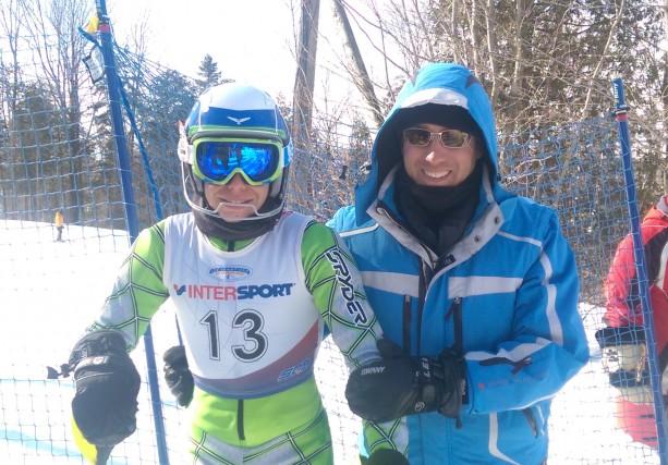 L'hiver, Malik Bruneau, ici accompagné de son père... (Photo: courtoisie)