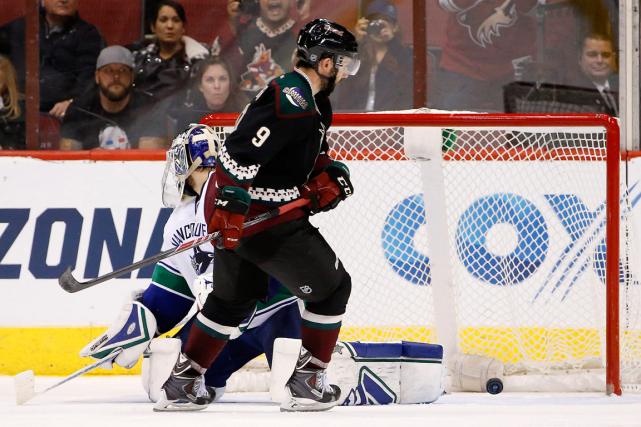 Sam Gagner a déjoué le gardien des Canucks... (Photo Ross D. Franklin, archives AP)