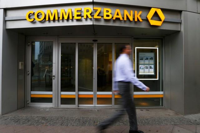 Commerzbank avait révélé en 2010 que ses opérations... (PHOTO RALPH ORLOWSKI, ARCHIVES REUTERS)