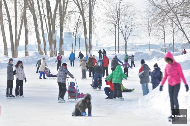 La saison d'ouverture des patinoires extérieures des villes... (Photo: Émilie O'Connor Le Nouvelliste)