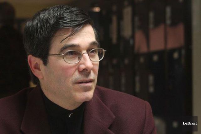 Le directeur général du Gîte Ami, Luc Villemaire,... (Patrick Woodbury, Archives LeDroit)