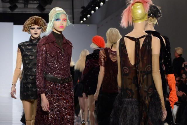 Ce défilé événement de la Fashion week parisienne... (Photo BERTRAND GUAY, AFP)