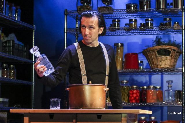 Marc-André Charette, l'un des comédiens de la pièce... (Patrick Woodbury, LeDroit)