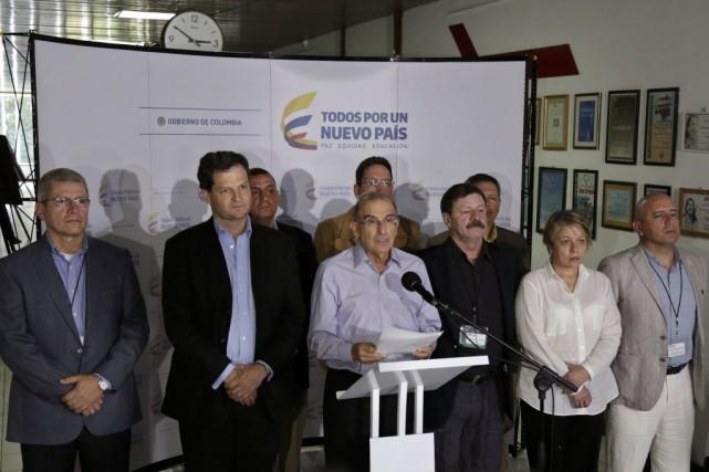 «Le gouvernement et les FARC travailleront conjointement pour... (PHOTO ENRIQUE DE LA OSA, REUTERS)