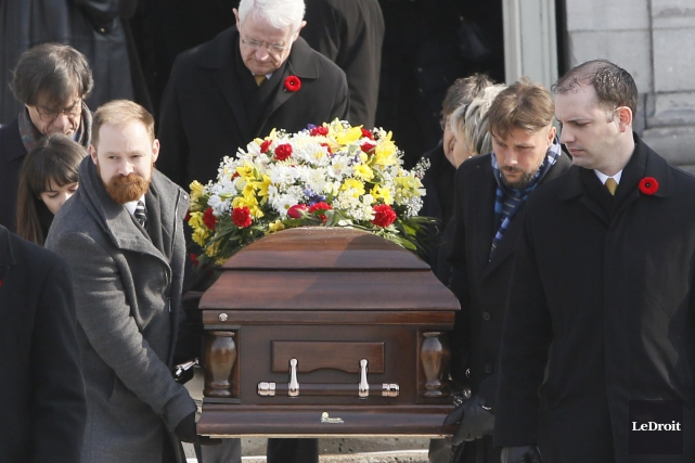 Lesfunérailles du vétéran Ernest Côté ont été célébrées... (Simon Séguin-Bertrand, LeDroit)