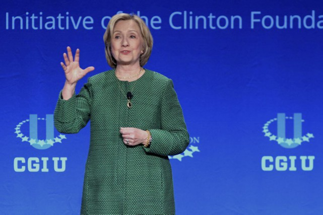Hillary Clinton a prononcé un discoursà l'Université de... (PHOTO GASTON DE CARDENAS, AP)