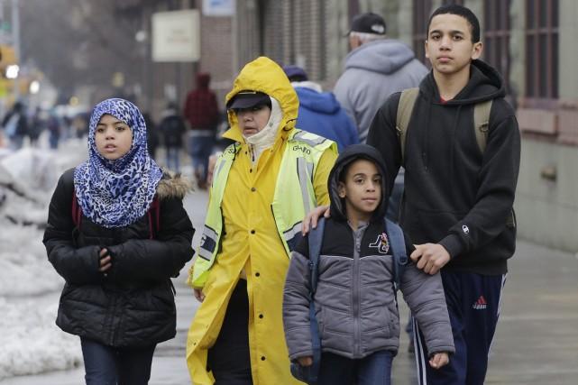 Plusieurs foyers musulmans établis un peu partout au pays ont accepté d'ouvrir... (Photo Mark Lennihan, archives AP)
