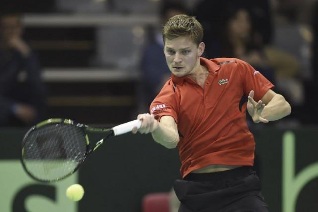Le Belge David Goffin renvoie la balle à... (Photo JOHN THYS, AFP)