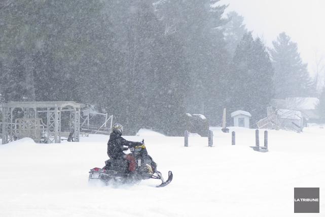Ce sont peut-être les motoneigistes qui ont le plus profité du rude hiver que... (Imacom, René Marquis)