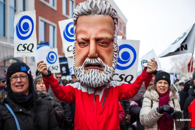 Quelque 500 personnes ont marché dans les rues... (Photo: Olivier Croteau, Le Nouvelliste)