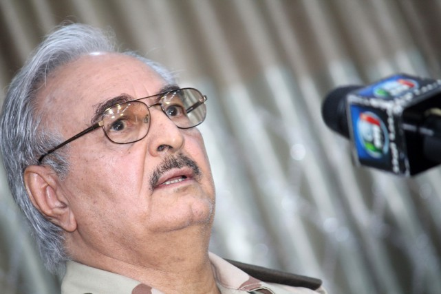 Le général Khalifa Haftar... (PHOTO ARCHIVES AGENCE FRANCE-PRESSE)