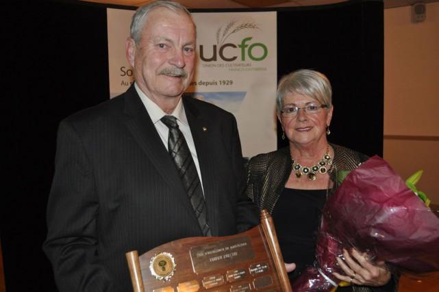 Laurent et Hélène Souligny sont deux agriculteurs de... (Courtoisie de l'UCFO, Marc-André Tessier)