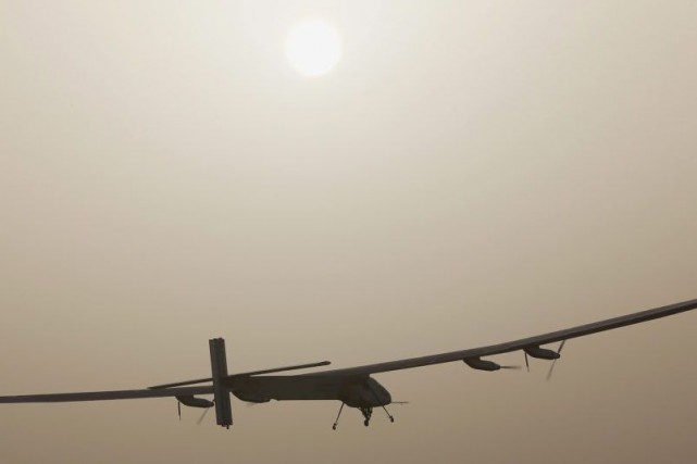 Solar Impulse 2... (PHOTO AHMED JADALLAH, REUTERS)