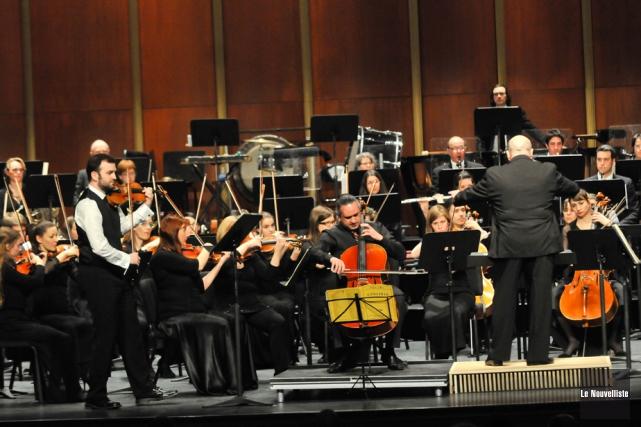 Le violoniste Antoine Bareil et le violoncelliste Sébastien... (Photo: Émilie O'Connor, Le Nouvelliste)
