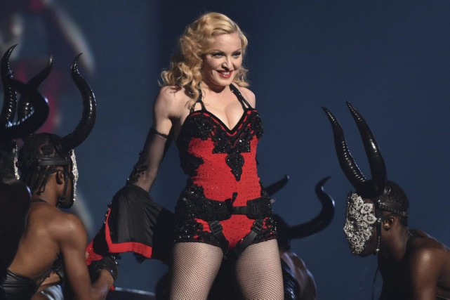 Madonna en spectacle aux Grammy Awards en février... (Photo: archives AP)