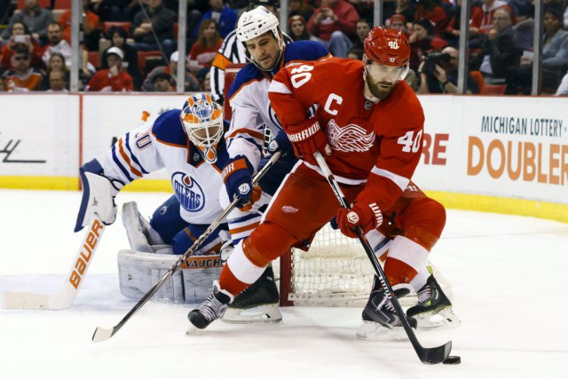 Teemu Pulkkinen, Riley Sheahan et Pavel Datsyuk ont fourni un but et une passe... (Photo: Reuters)