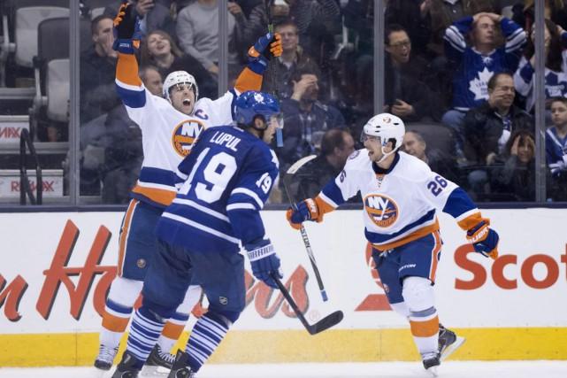 John Tavares a marqué à 4:38 en prolongation, lundi, permettant aux Islanders... (Photo: PC)