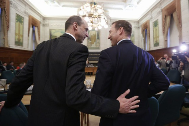 Steven Blaney et Peter MacKay... (PHOTO CHRIS WATTIE, REUTERS)