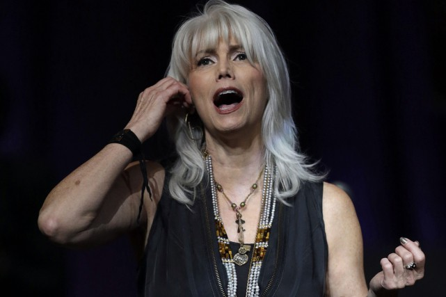 Emmylou Harris... (Photo: archives AP)