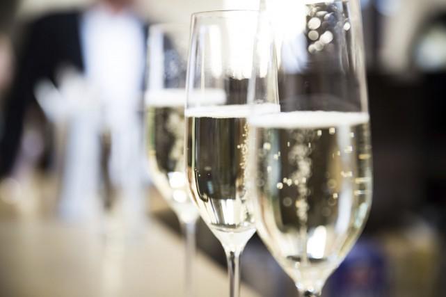 On n'a pas toujours les moyens d'ouvrir une bouteille de champagne. Or,... (Photo Digital/Thinkstock)
