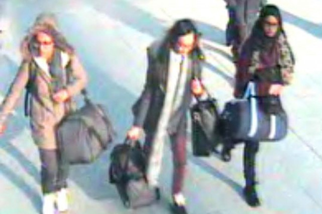 Les trois adolescentes sont soupçonnées d'avoir rejoint les... (PHOTO AP/POLICE)