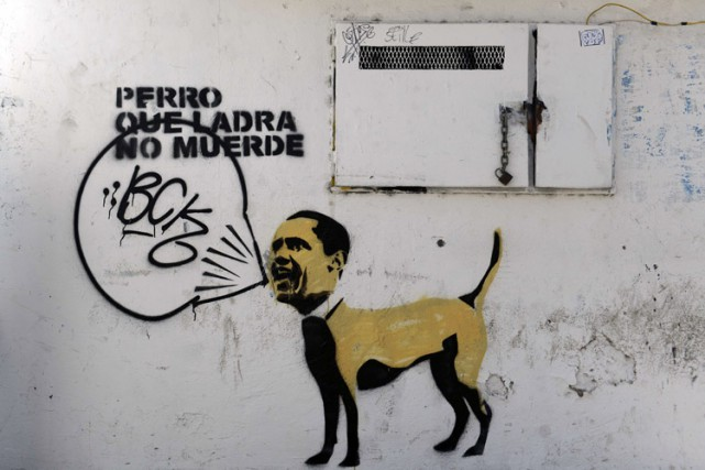 Un graffiti dessiné sur un mur a Caracas... (Photo: AFP)