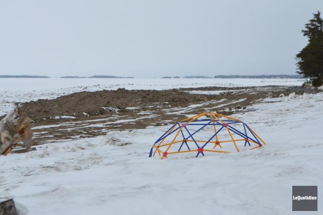 Les travaux de stabilisation des berges sont presque... ((Photo le Quotidien, Laura Lévesque))