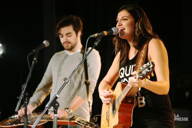 La chanteuse Sara Dufour a fait une prestation... (PHOTO MARTIN CHAMBERLAND, LA PRESSE)