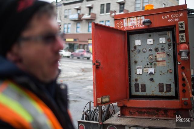 Le centre électro-mécanique sert à dégeler les conduites... (PHOTO MARTIN TREMBLAY, ARCHIVES LA PRESSE)