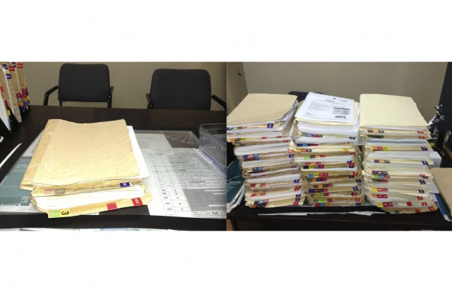 L'auteur a photographiéses deux dernières piles de courrier.... (Photos Bruno Tremblay)