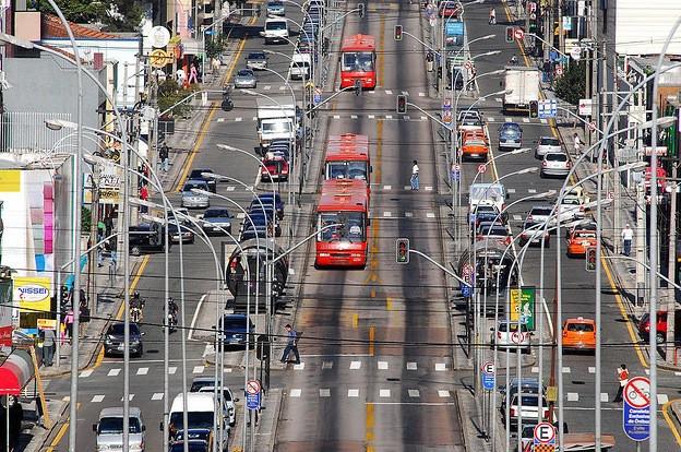 La ville de Curitiba (1,5 million d'habitants), dans...