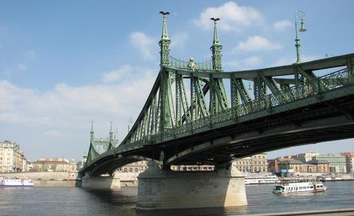 Budapest... (La Nouvelle, Jonathan Custeau)