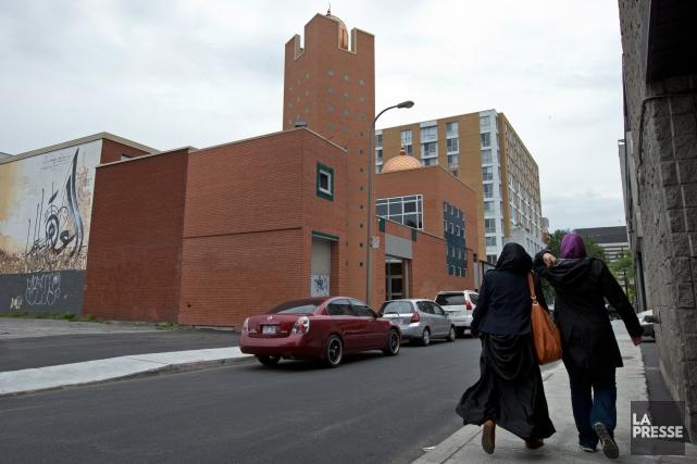 La mosquée Al-Omah Al-Islamiah est située rue Saint-Dominique,... (Photo Robert Skinner, archives La Presse)