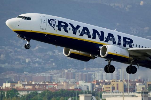La compagnie aérienne irlandaise à bas coûts Ryanair va lancer ses premiers... (PHOTO ARCHIVES AFP)