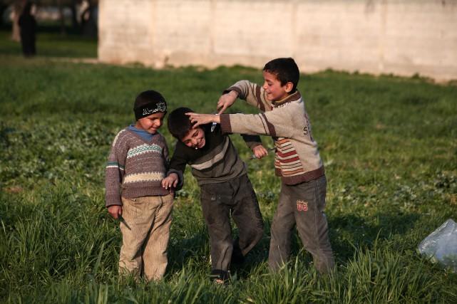 L'auteur craint que les enfants syriens, exposés à... (Photo ABD DOUMANY, agence France-Presse)