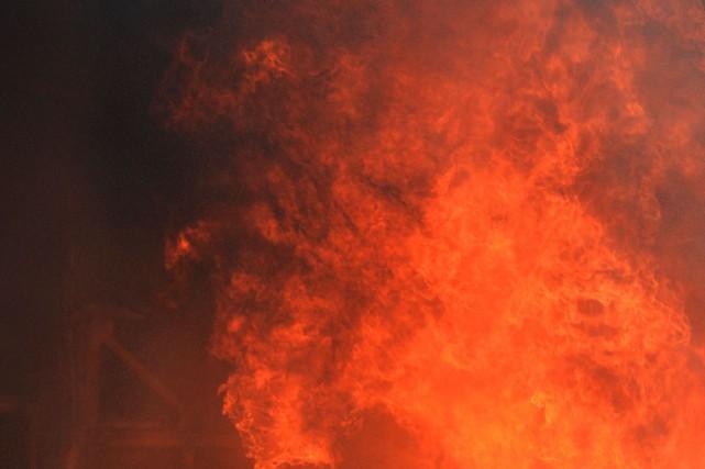 Les pompiers ont mis deux heures à venir... (PHOTO D'ARCHIVES)