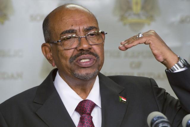 Le président du Soudan Omar el-Béchifait l'objet de... (PHOTO ARCHIVES AP)