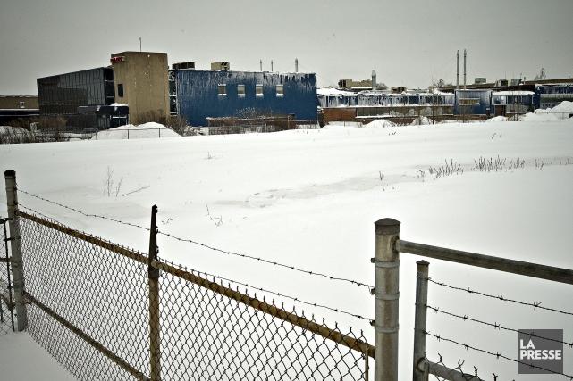 Le projet prendrait la place de terrains peu... (PHOTO PATRICK SANFAÇON, LA PRESSE)