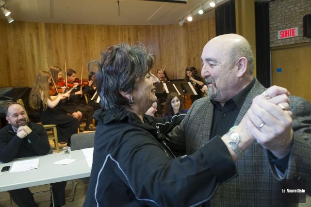 Le directeur musical et professeur Gilles Bellemare et... (Photo: Stéphane Lessard Le Nouvelliste)