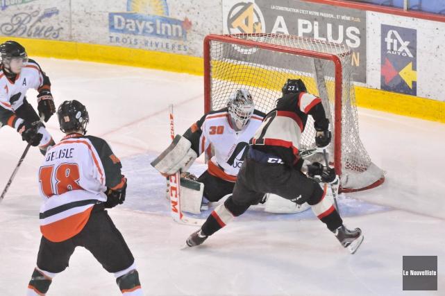 Étincelant dans les victoires contre McGill et Carleton,... (Photo: Émilie O'Connor Le Nouvelliste)