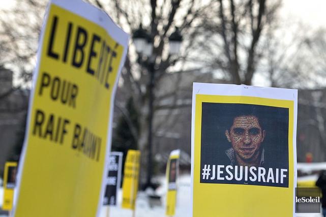 Raïf Badawi évite une nouvelle fois la flagellation, en Arabie saoudite.Le... (Archives Le Soleil)