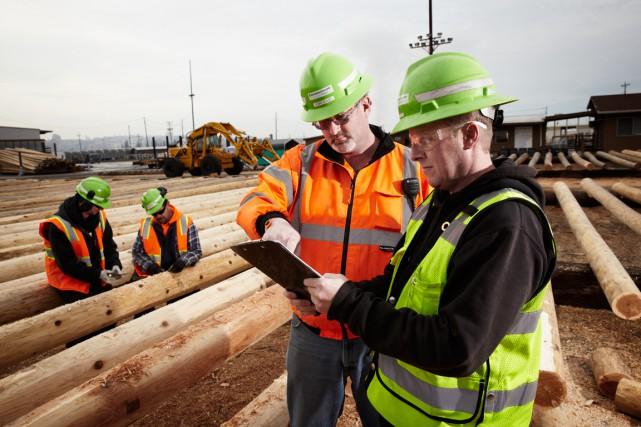 Le fabricant de produits en bois traité Stella-Jones a vu ses profits chuter de... (PHOTO FOURNIE PAR STELLA-JONES)