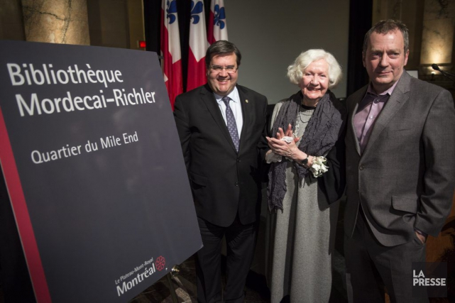 Denis Coderre en compagnie de Florence Richler et... (Photo: La Presse Canadienne)