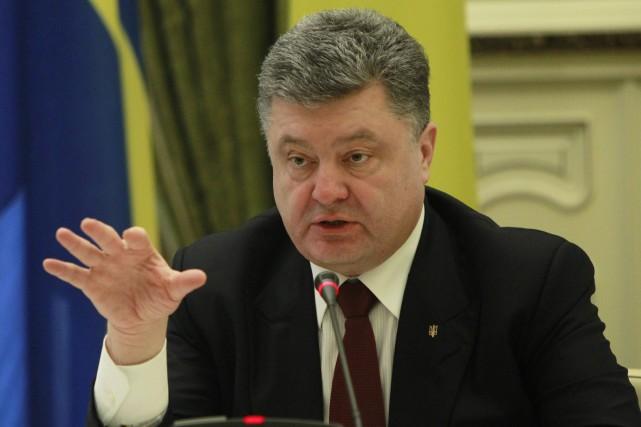 Le président ukrainien, Petro Porochenko... (Photo Sergei Chuzavkov, archives AP)