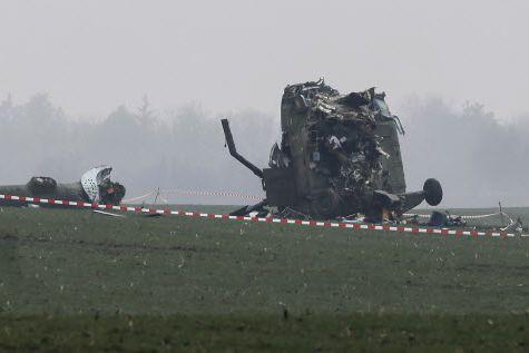 À bord de l'hélicoptère se trouvaient les quatre... (Photo Djordje Kojadinovic, REUTERS)