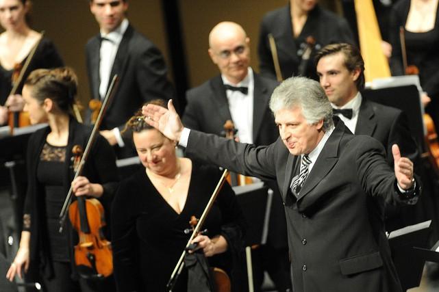 Le chef d'orchestre et directeur artistique de l'Orchestre... (PHOTO D'ARCHIVES LA NOUVELLE)