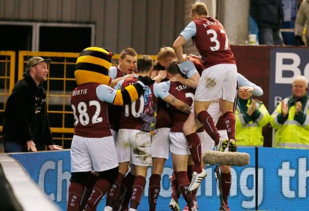 Malgré sa victoire, Burnley demeure dans la zone... (PHOTO ANDREW YATES, REUTERS)
