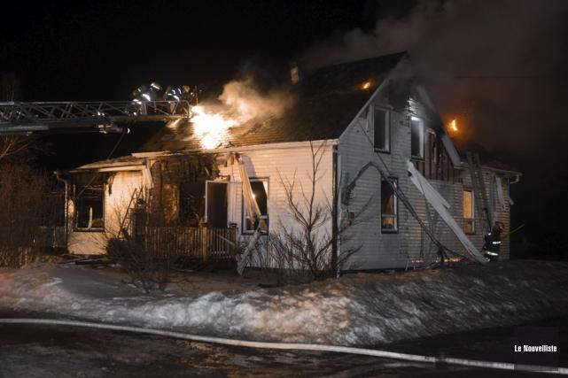 Les flammes ont lourdement endommagé la structure de... (Photo: François Gervais, Le Nouvelliste)