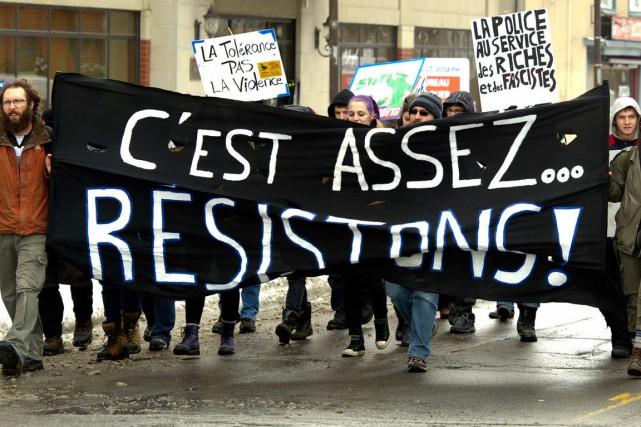La manifestation gatinoise s'est déroulée pacifiquement, sans arrestation.... (Martin Roy, LeDroit)