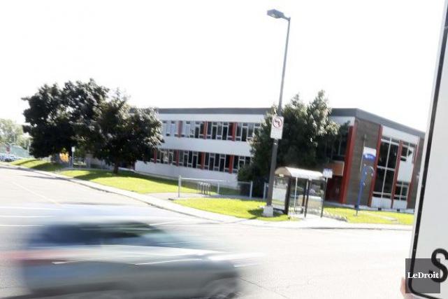 L'école primaire Jean-de-Brébeuf de Gatineau a dû fermer ses portes à 12h,... (Simon Séguin-Bertrand, Archives LeDroit)